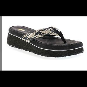Volatile giger sandal size 8 worn twice